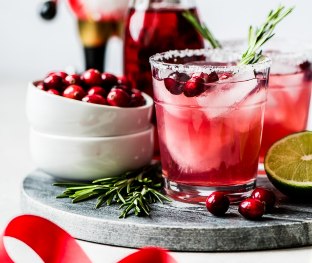Easy Cranberry Margarita #drink #margarita #easy #cranberry #cocktail