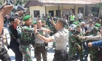 """GAWAT! TNI dan Rakyat, """"Ayo Kita Bakar Saja Kantor Polisi"""""""
