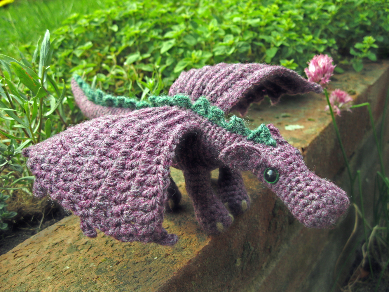 Amigurumi Dragon Wings : Lucyravenscar crochet creatures: making the wings for the fierce