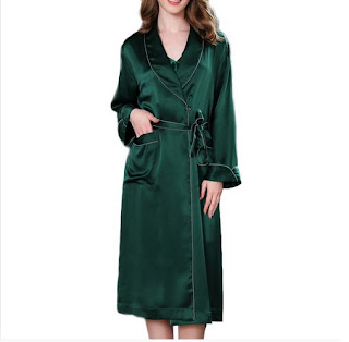 https://www.freedomsilk.com/22-momme-luxury-long-silk-robe-for-women-with-piping-p-230.html