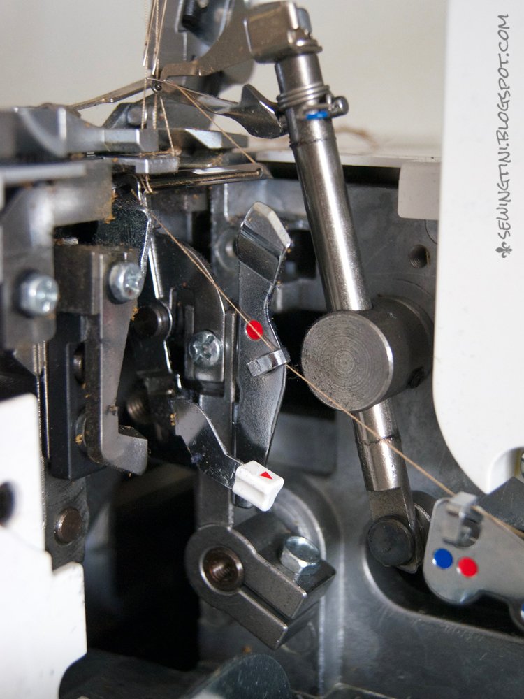 Sewing Tini die Overlock Bernina L460  oder meine  ~ Nähmaschine Hakt