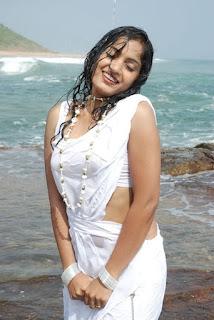 Madhavi_Lata_wet_saree_photos