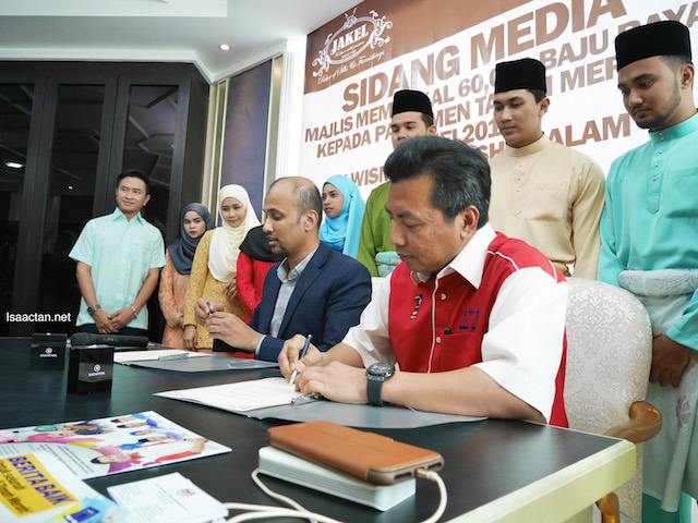 Official signing, Jakel will provide 60,000 pairs of clothing this Hari Raya