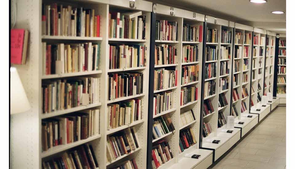 Mercadillos and markets re read la librer a low cost - Librerie design low cost ...