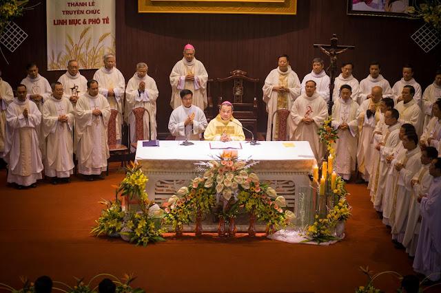 Lễ truyền chức Phó tế và Linh mục tại Giáo phận Lạng Sơn Cao Bằng 27.12.2017 - Ảnh minh hoạ 2