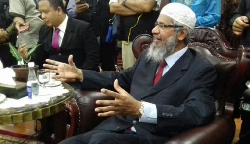 Soal Al Maidah 51, Zakir Naik: Sebagai Pemimpin Al Quran Hanya Memperkenankan Muslim