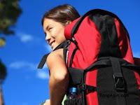 Perempuan yang Hobby Traveling Harus Baca Ini Agar Bisa Bawa Banyak Barang