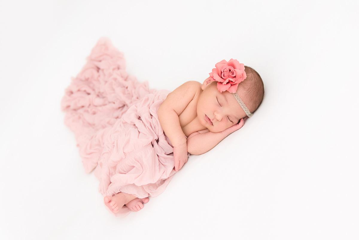 Sesión recién nacido a domicilio en Tomares, Sevilla