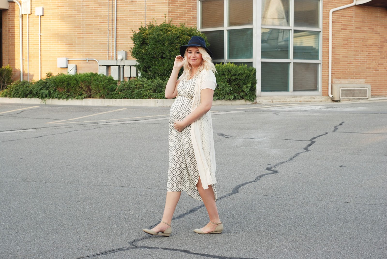 Modest Fashion Blogger, Pink Blush Maternity, T-Shirt Dress