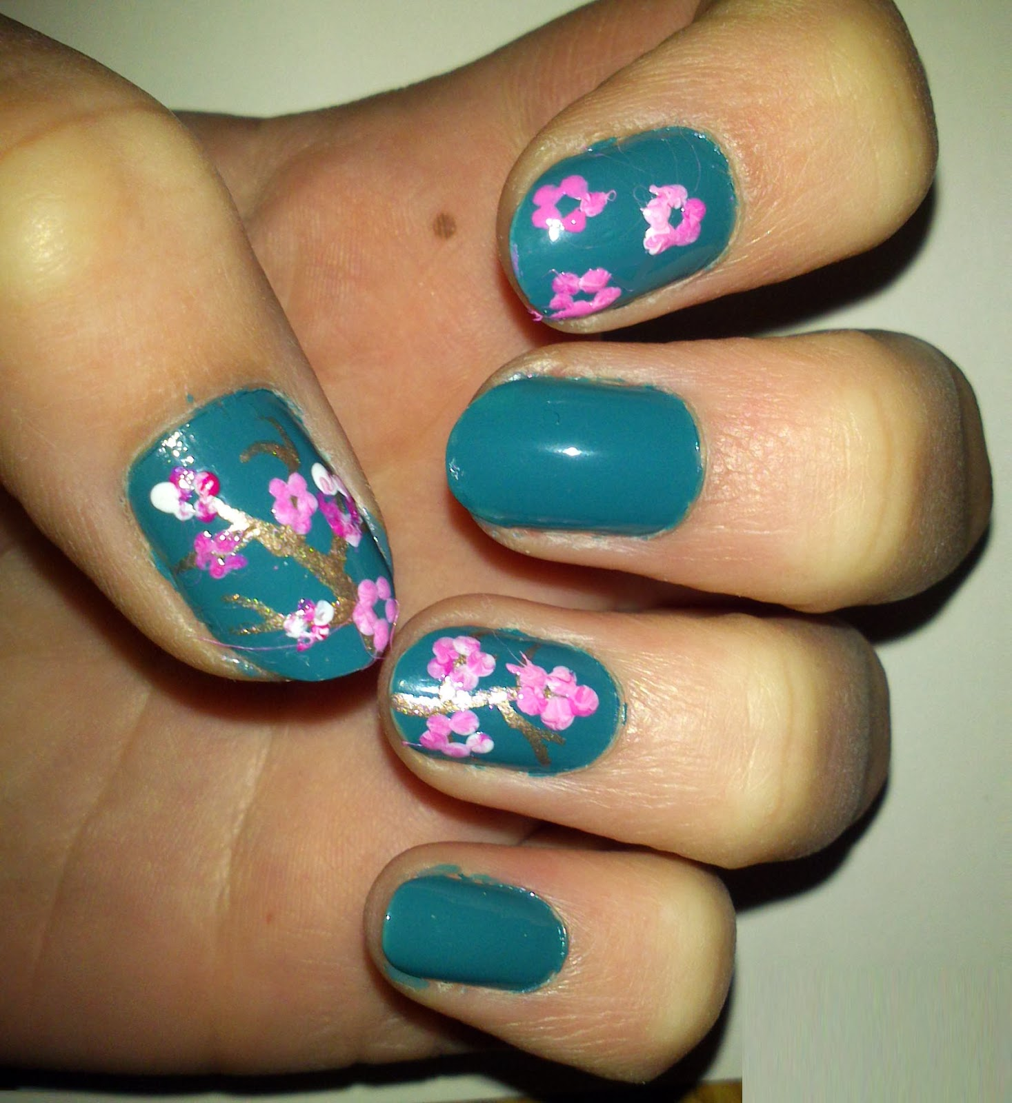 Nail Art Newbie: Busy Girls Nails Challenge: Week 1 Teal