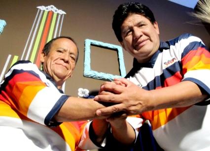 Foto de Los Shapis con Chapulín y Jaime