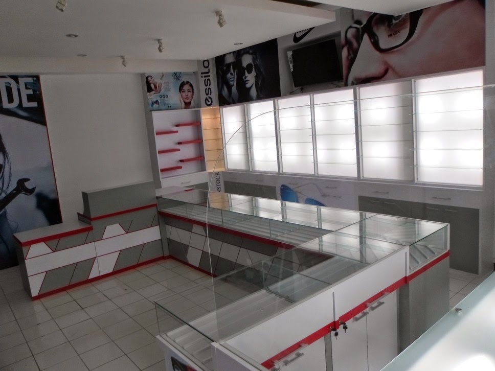 Etalase toko Kacamata - Semarang