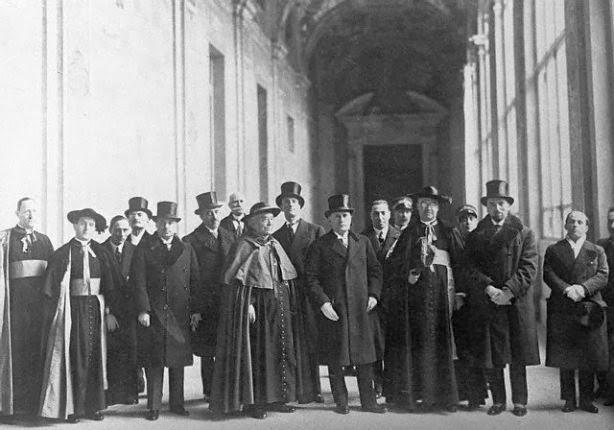 Mussolini au Vatican