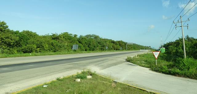 Straße nahe Costa Maya