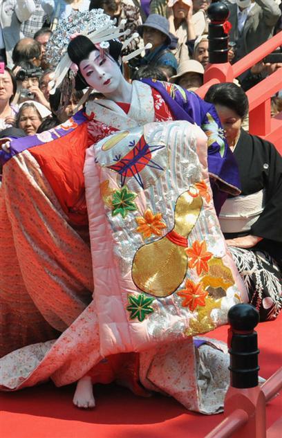 Senteisai (Tribute to Princess Antoku), Shimonoseki City, Yamaguchi Pref.