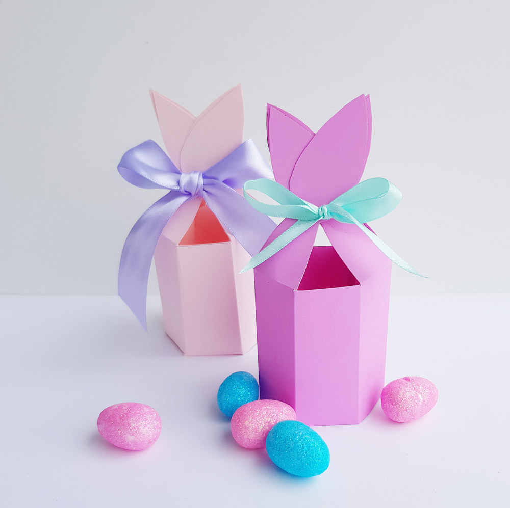 Free bunny ears gift box printable for easter now thats peachy this treat boxes would look adorable on a table setting for each easter party guest or the perfect size for small gifts for the kids school friends teacher negle Image collections
