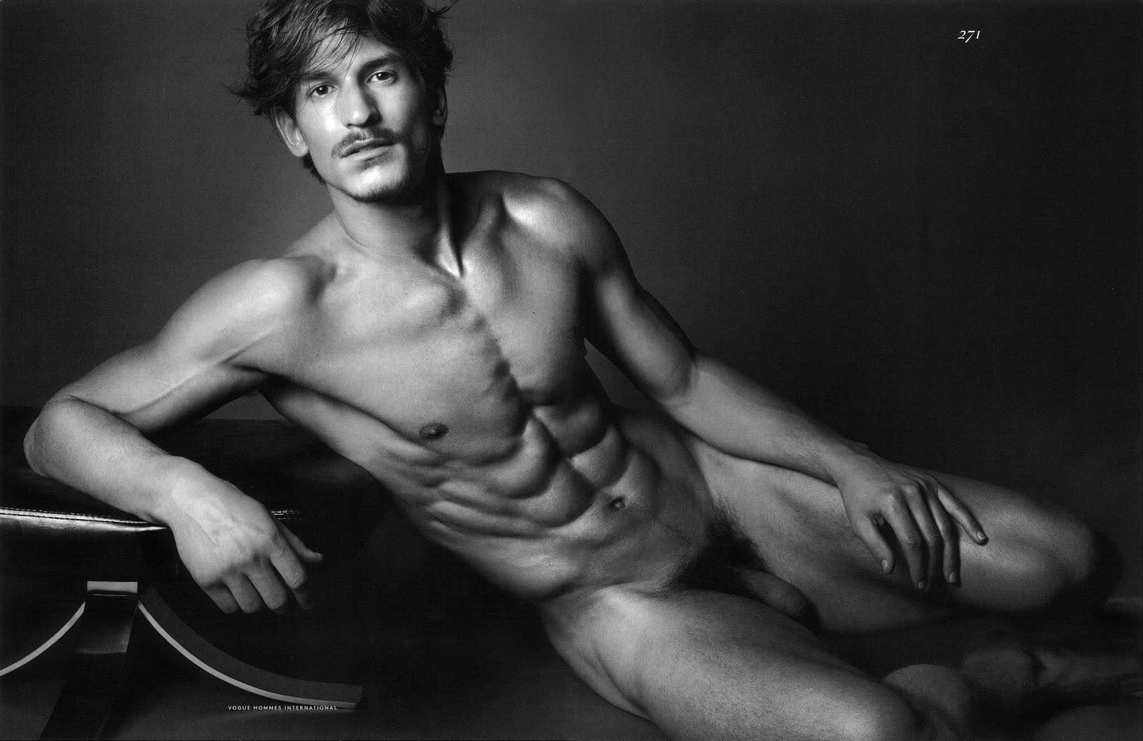 Jarrod-Scott-Vogue-nude-frontal-naked-pelado-3