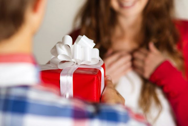 10 Gifts you Can Give to Your Girl Friend