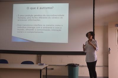 Palestra da Associação Amigos do Autista  no Instituto Federal em Registro-SP