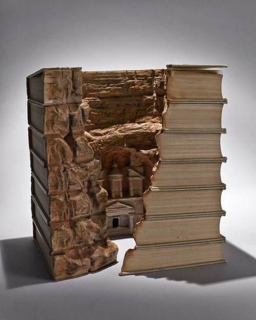 04-Guy-Laramee-Book-Sculptures-Encyclopedias-Dictionaries-www-designstack-co