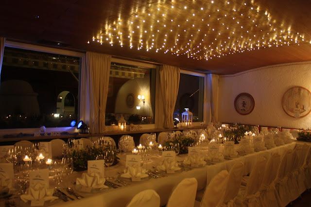 Winterhochzeit im Seehaus am Riessersee Garmisch-Partenkirchen, Bayern - Winter wedding in Bavaria open fireside place