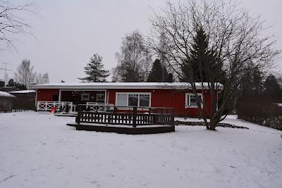 talo talvella lunta lumi talvi