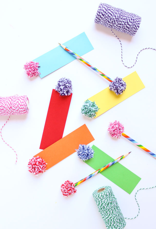 How to make pom-poms from baker's twine
