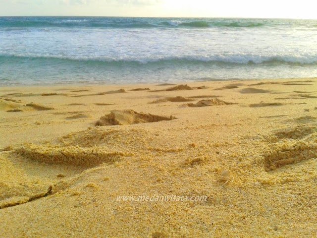 Pantai Lampuuk Aceh