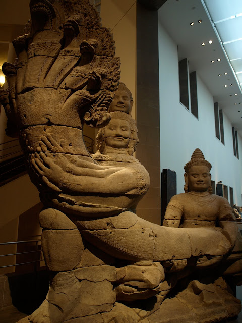 Naga de Angkor en el Museo Guimet de Paris