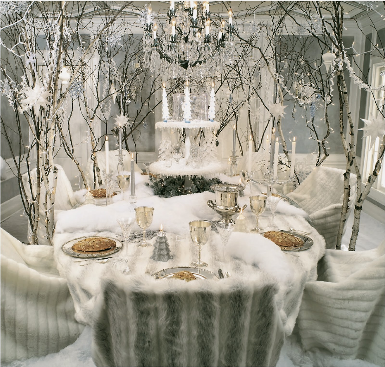 35 Beautiful Christmas Tablescapes Ideas Table