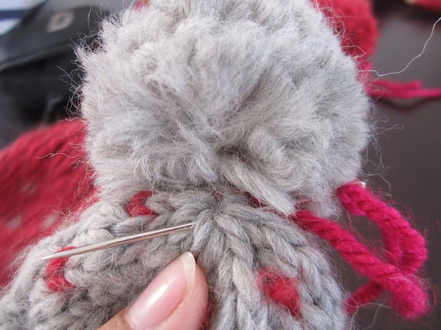 mis nancys, mis peques y yo, tutorial gorros de lana nancy, coser pompón al gorro