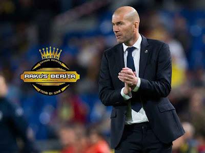 Zidine Zidane Dikecam Oleh Madridista