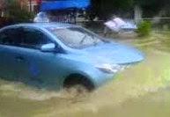 Cara Menembus Jalan Banjir Agar Mobil Tidak Mogok