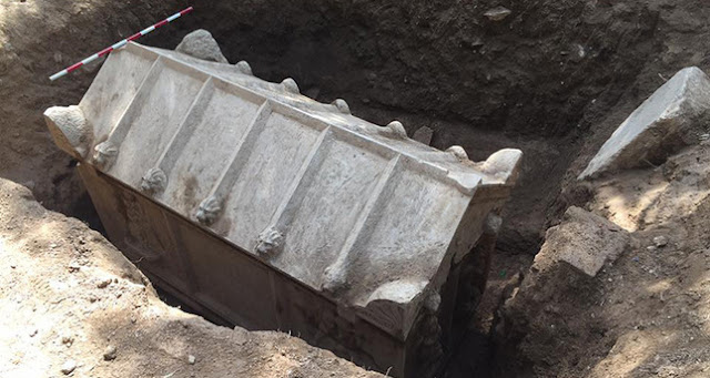 2nd century sarcophagus discovered in NW Turkey