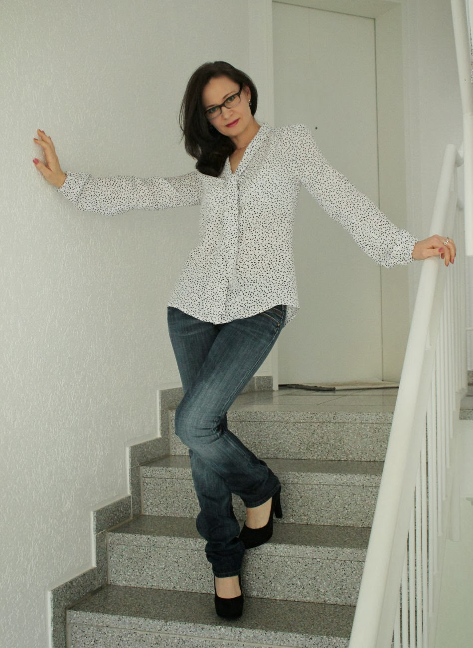 http://sewinggalaxy.blogspot.de/2013/12/flemings-bluse.html