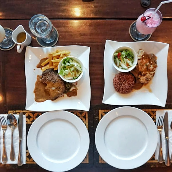 Roasted Baby Chicken & Grilled Sirloin, The Royal Surakarta Heritage