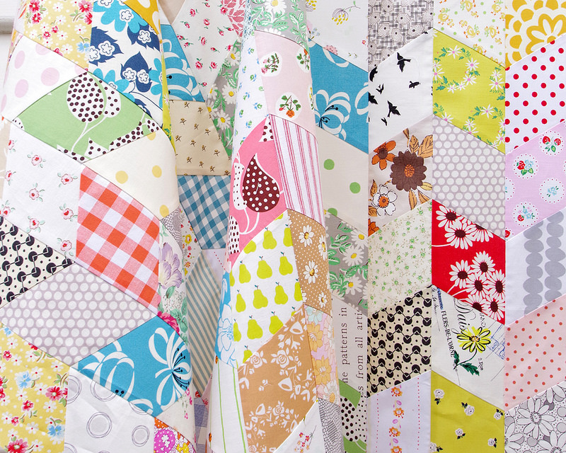 One Patch Quilts :: Diamonds | © Red Pepper Quilts 2018 #redpepperquilts #onepatchquilts #scrapquilt