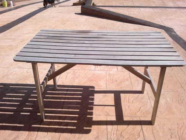 Antes de reciclar y redecorar una mesa de jardín