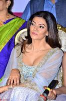 Sushmita Sen in ethnic attire at launch of Sashi Vangapalli Designer Store Launch ~  Exclusive Celebrities Galleries 011.jpg