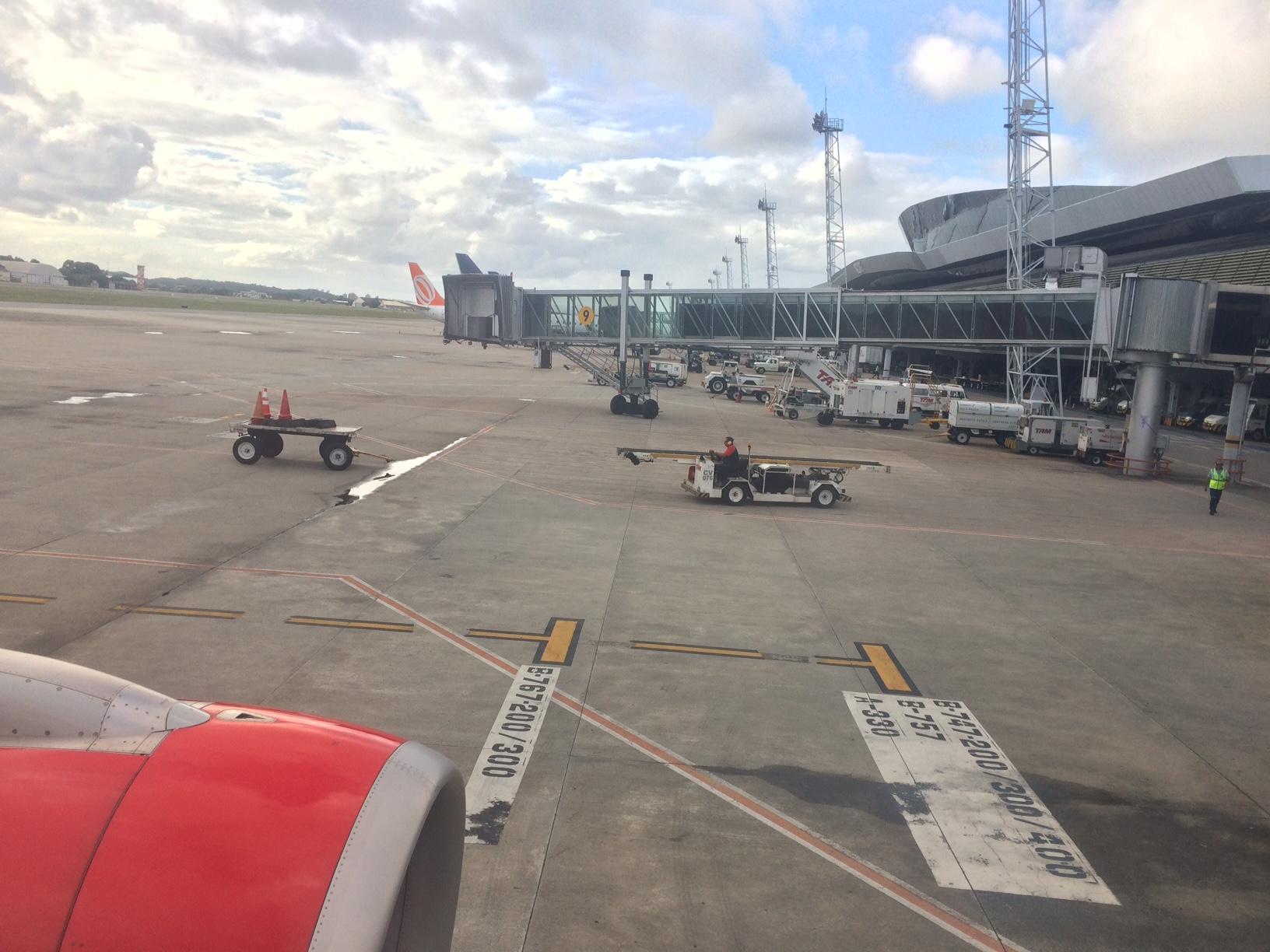 Avião avianca patio aeroporto