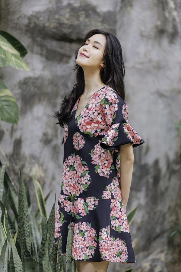Hoa hậu Thùy Dung gợi ý chọn váy hoa cho nàng công sở - 11