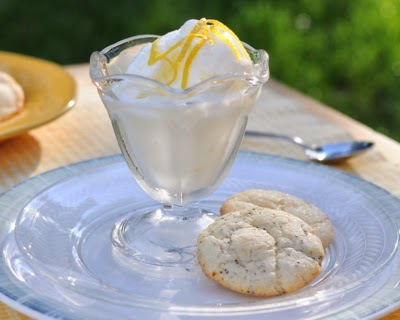 Lemon Crinkle Cookies with Poppy Seeds, bright and lemony, really charged with lemon flavor.