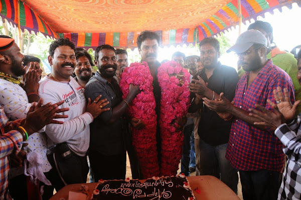 Samuthirakani's b'day celebration at Achamindri shooting spot