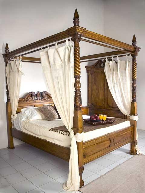 tempat tidur kanopi kayu jati