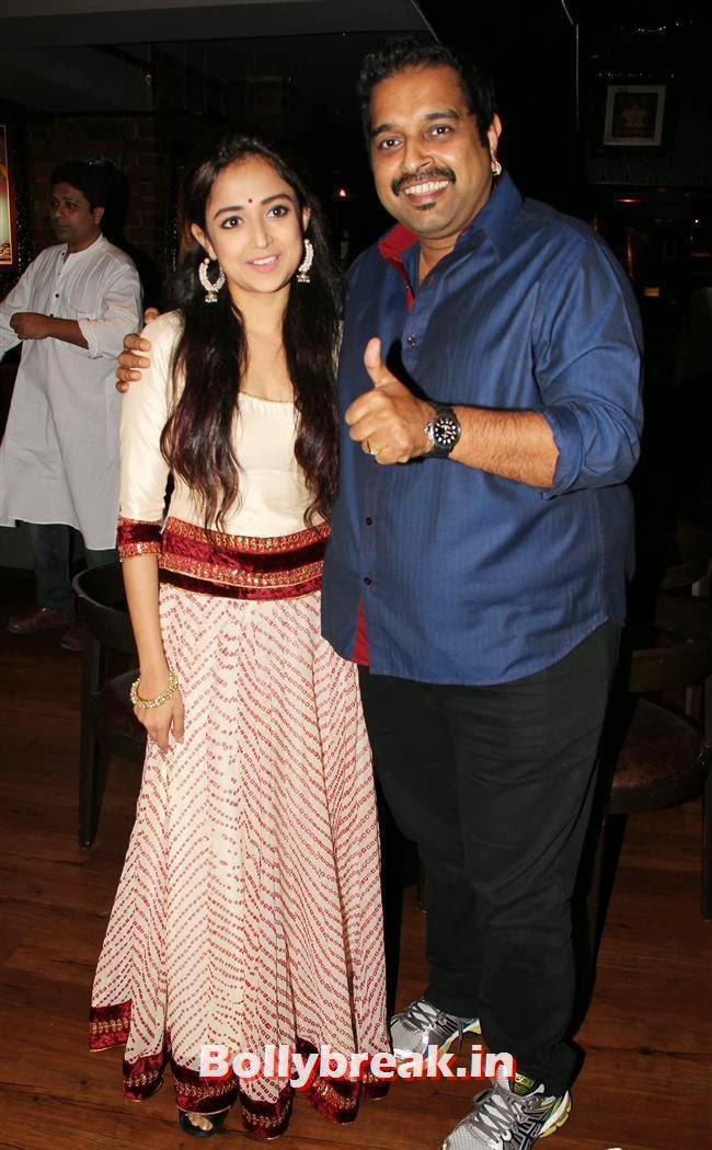 Monali Thakur and Shankar MAhadevan, Monali Thakur at Lakshmi Movie Music Launch