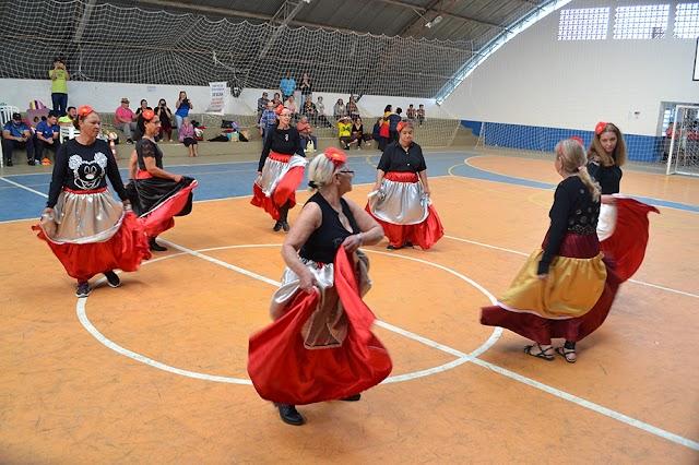 Centros de Convivência participam da 3° Gincana Esportiva da Melhor Idade em Colombo