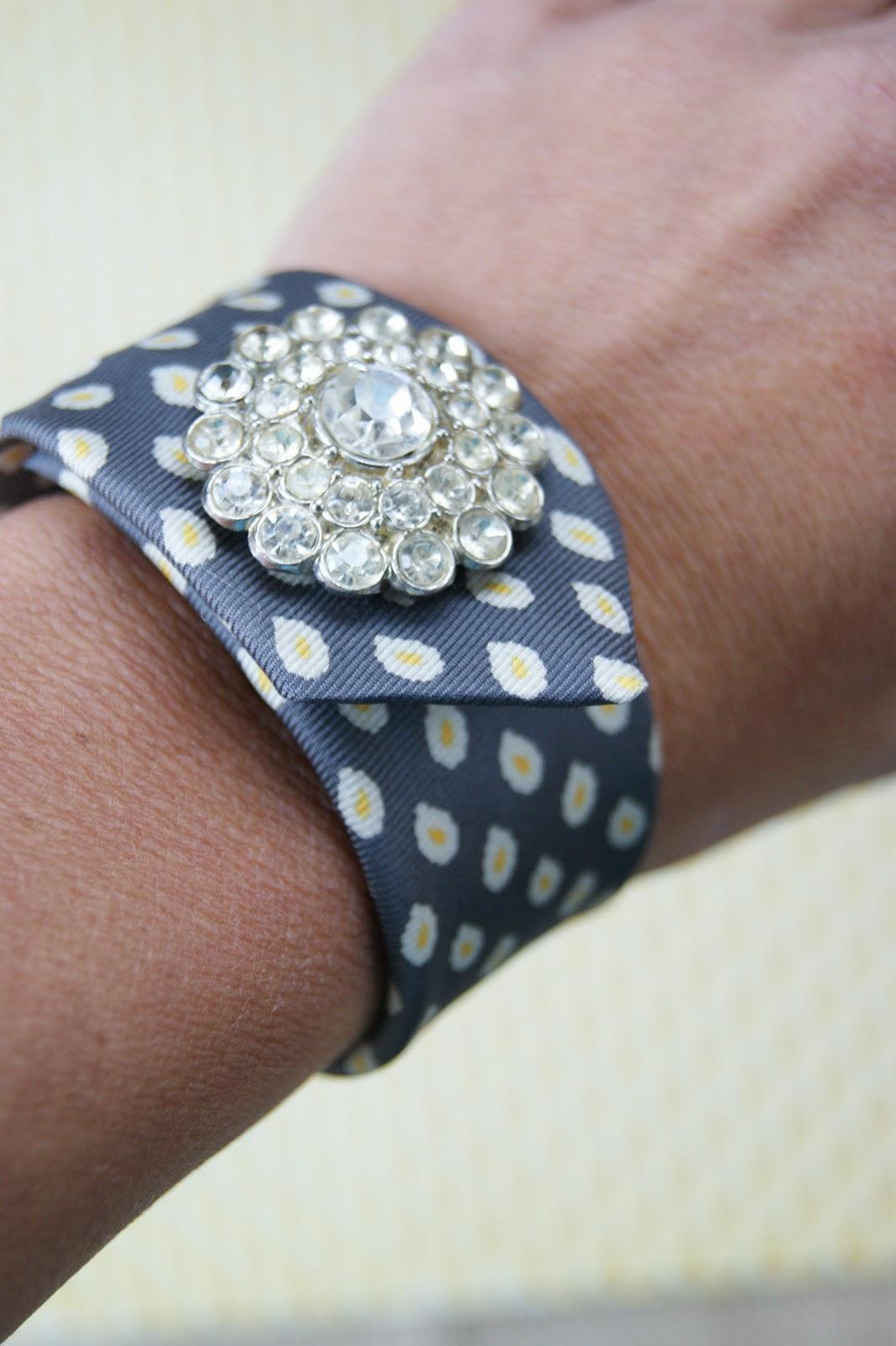 Link it, lump it, link part, #58, neck tie, cuff bracelet