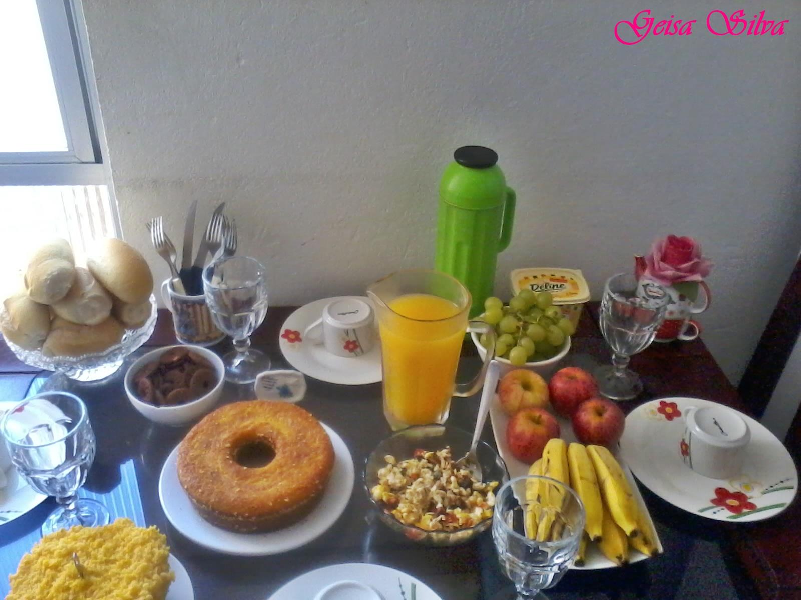 Mesa posta Caf da manh  Acheguese