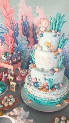 Você já deve ter notado que o tema Sereia está em alta nas maquiagens, looks, acessórios. A festa Sereia é um sonho para algumas meninas, e o blog trás hoje algumas inspirações para você se inspirar.