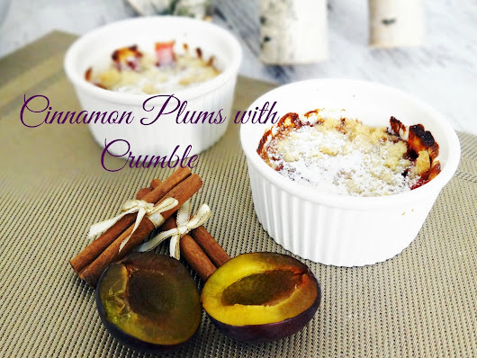 Cinnamon plums with crumble